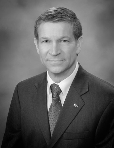 Eddie Steiner, president and CEO, The Commercial Savings Bank (CSB) is the recipient of The University of Akron Wayne College Distinguished Alumni Award for 2017.